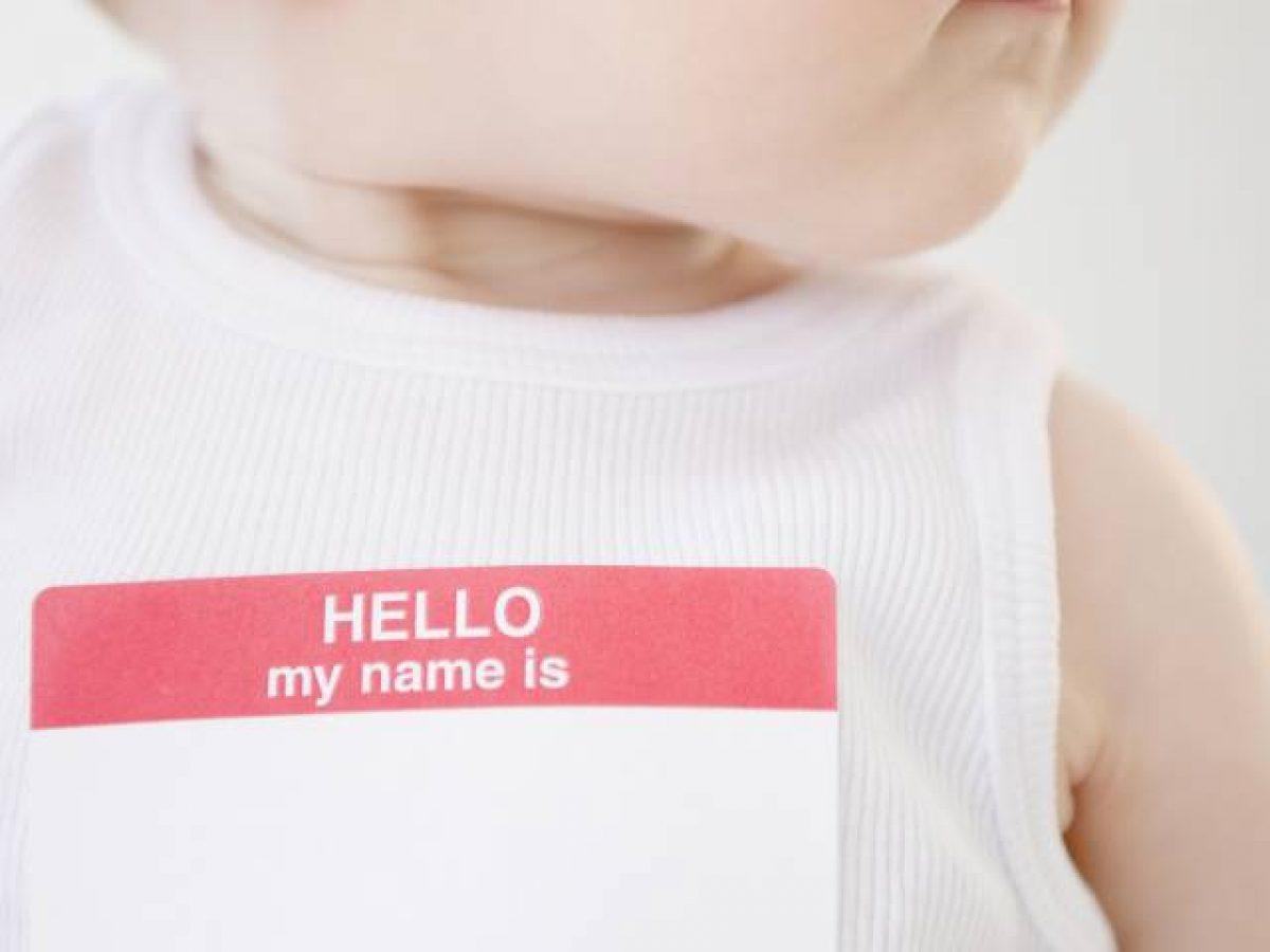 Có nên đặt tên phong thuỷ cho bé không?