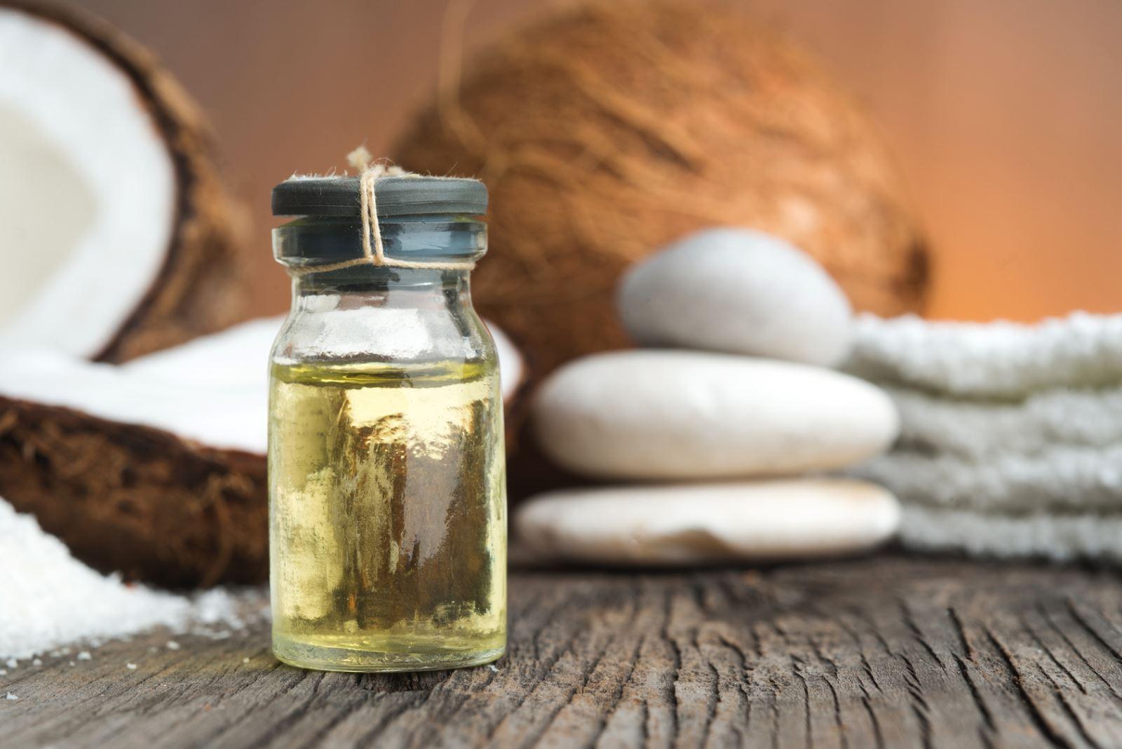 Có nên dùng dầu dừa cho trẻ em?