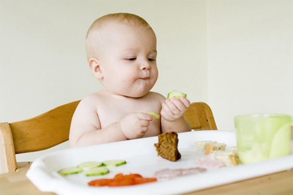 Thời điểm ăn dặm tốt nhất cho bé mà các mẹ bỉm sữa nên biết