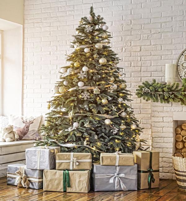 Mách bạn các trang trí cây thông noel ấn tượng đón giáng sinh an lành