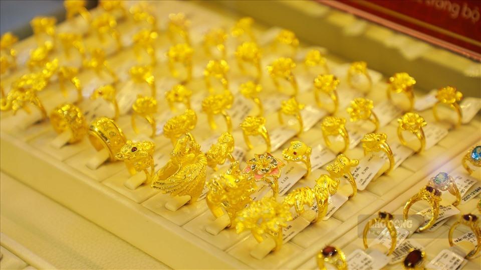 """Giá vàng hôm nay 7/11: Vàng tăng """"phi mã"""""""
