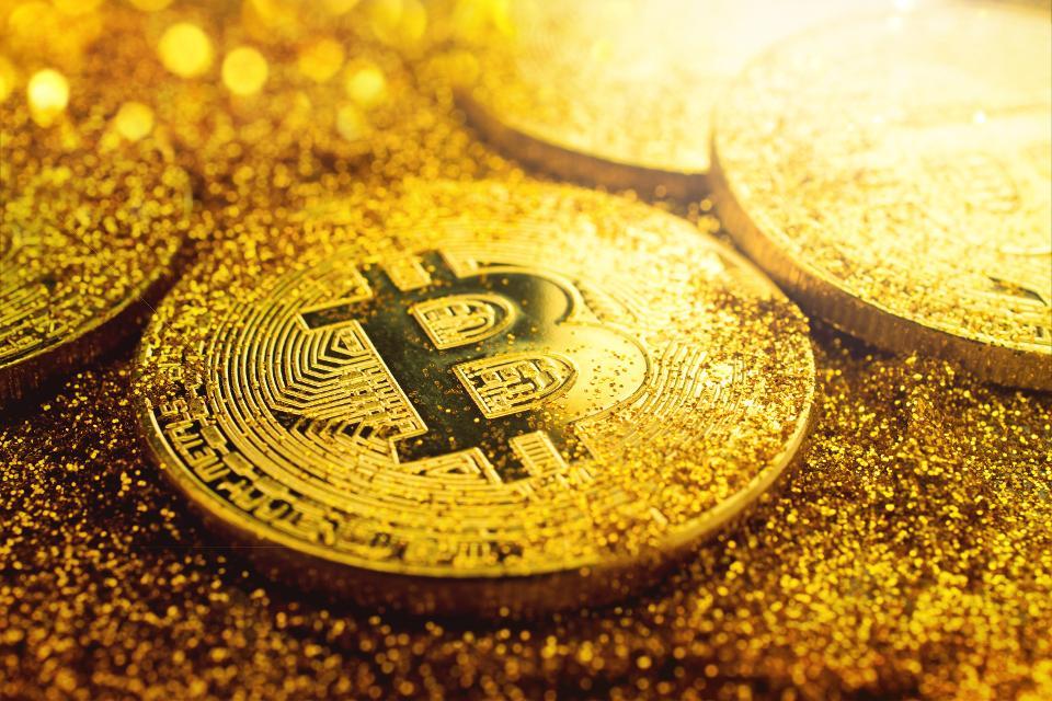 Giá Bitcoin hôm nay 3/2: Các đồng tiền phần lớn đều đi lên