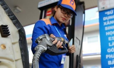 Giá xăng dầu hôm nay 14/1: Bất ngờ đảo chiều giảm sâu