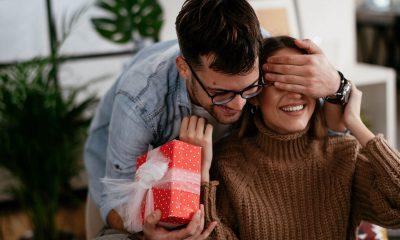 Sinh nhật người yêu nên tặng gì? Gợi ý những món quà ý nghĩa và độc đáo