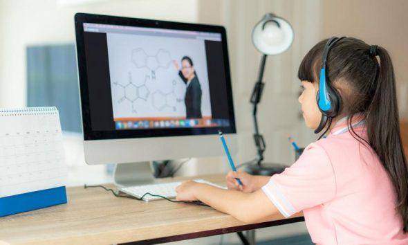 Cách kết nối điện thoại với ti vi để học trực tuyến chi tiết nhất 2021