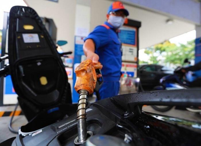 Giá xăng dầu hôm nay, giá xăng dầu 6/1, giá xăng hôm nay, giá xăng 95, giá xăng giảm